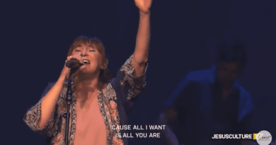 Here Again (Live) – Kim Walker-Smith – Jesus Culture 2019